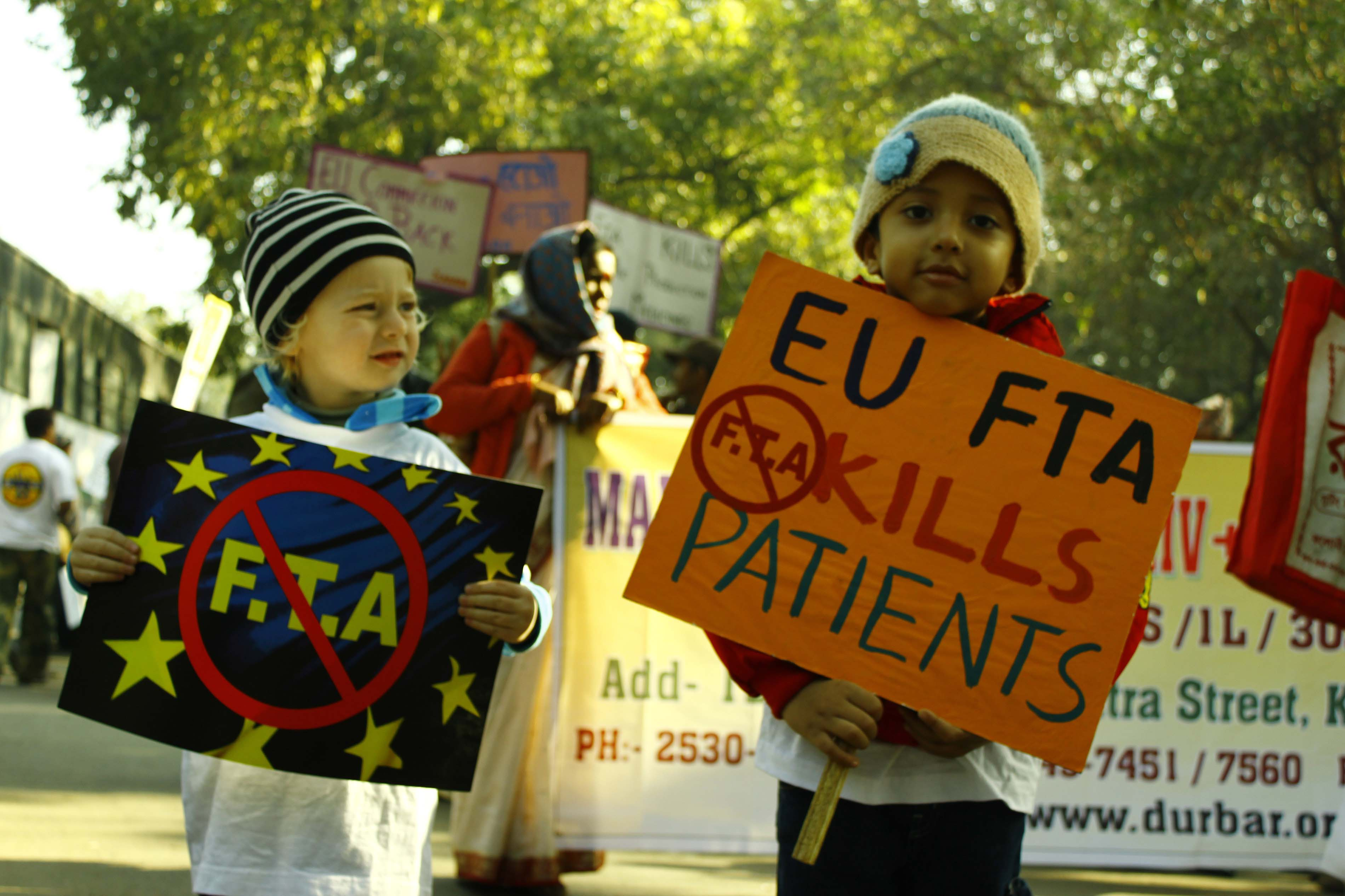 Nearly 2,000 People Living With HIV along with MSF & other civil society organisations rallied in the streets of New Delhi at the start of the EU-India summit. They warned that harmful provisions in a trade deal being negotiated between the EU and India could severely hinder access to affordable medicine for people in developing countries.