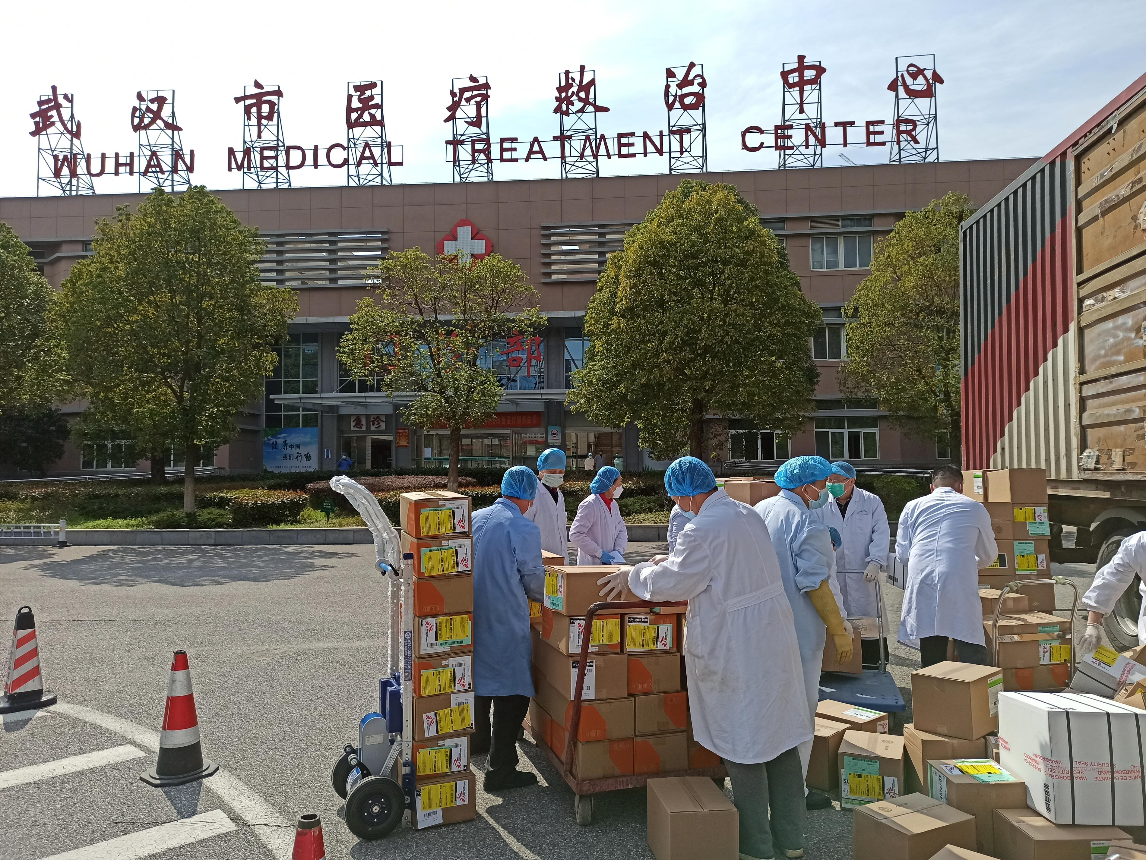 MSF donated 3.5 tonnes of personal protective equipment to health workers at the Wuhan Jinyintan Hospital in Hubei province. Wuhan Jinyintan Hospital is one of the designated hospitals providing treatment to COVID-19 patients, especially those in severe and critical conditions