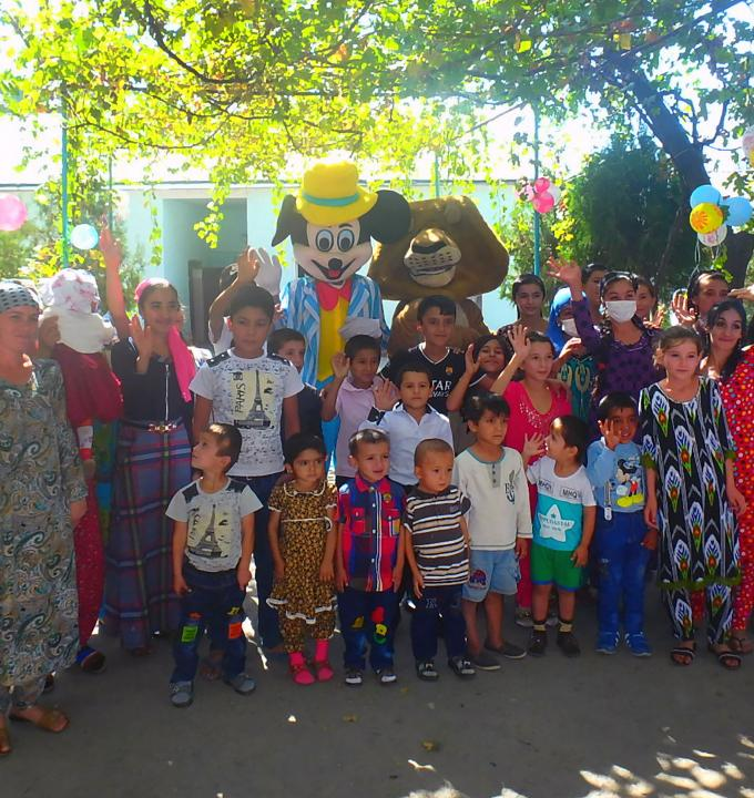 In Tajikistan, in an attempt to breakup the everyday routine for children undergoing TB treatment, MSF's psychosocial team organises celebration parties as part of MSF's pediatric therapeutic play programme.
