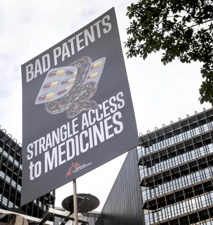In March 2017, organisations from 17 European countries filed an opposition to Gilead Science's patent on the highly effective hepatitis C drug sofosbuvir. On 13th and 14th of September 2018, the hearing took e place before the European Patent Office in Munich.