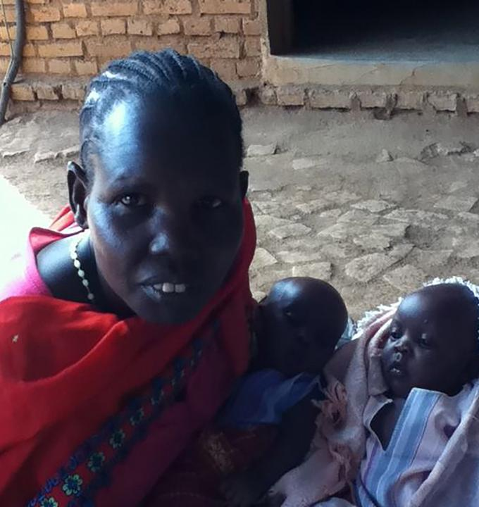 Aquil Bol Mallien, mother of twins at an MSF clinic in South Sudan.
