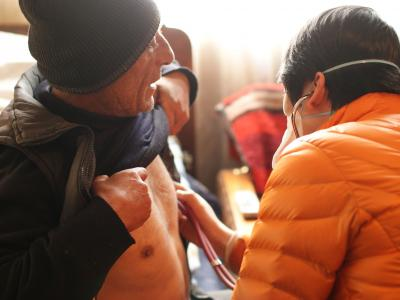 An MSF TB doctor conducts a home-base visit to a DRTB patient in Armenia.