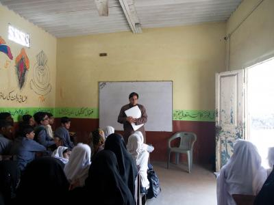 MSF Staff conducting a health promotion workshop to raise awareness amongst students about Hepatitis C.